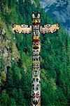 Totem Pole, Jervis Inlet British Columbia, Canada    Stock Photo - Premium Rights-Managed, Artist: Roy Ooms, Code: 700-00013350