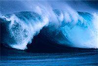 Waves North Shore, Hawaii, USA    Stock Photo - Premium Rights-Managednull, Code: 700-00024909
