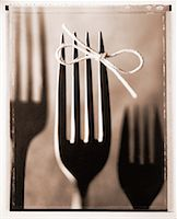 Fork with String Tied Around Tine    Stock Photo - Premium Rights-Managednull, Code: 700-00030166