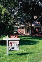 sold sign - Sold Home    Stock Photo - Premium Rights-Managednull, Code: 700-00030248
