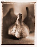 Close-Up of Garlic    Stock Photo - Premium Rights-Managed, Artist: Michael Kohn, Code: 700-00031041