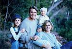 Portrait of Family Outdoors    Stock Photo - Premium Rights-Managed, Artist: Kevin Dodge, Code: 700-00041478