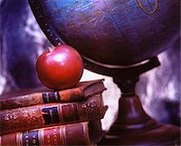 Globe, Books and Apple    Stock Photo - Premium Royalty-Freenull, Code: 600-00042439