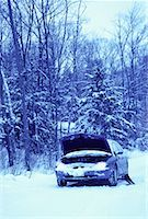 Stalled Car at Roadside in Winter, Ontario, Canada    Stock Photo - Premium Rights-Managednull, Code: 700-00065025