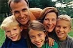 Portrait of Family Outdoors Toronto, Ontario, Canada    Stock Photo - Premium Rights-Managed, Artist: Peter Griffith, Code: 700-00068421