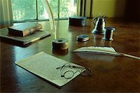 Quill Pen, Eyeglasses, Paper and Books on Antique Desk in Ralph Waldo Emerson House Concord, Massachusetts, USA    Stock Photo - Premium Rights-Managednull, Code: 700-00074483