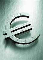 Euro Symbol as Jigsaw Puzzle    Stock Photo - Premium Royalty-Freenull, Code: 600-00077465
