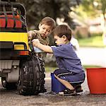 Children Washing Car    Stock Photo - Premium Rights-Managed, Artist: Dan Lim, Code: 700-00090239