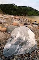 Boulders at Big Salmon River    Stock Photo - Premium Rights-Managednull, Code: 700-00090341