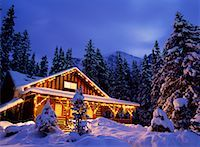 Cabin    Stock Photo - Premium Rights-Managednull, Code: 700-00155566