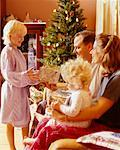 Family at Christmas    Stock Photo - Premium Rights-Managed, Artist: Kevin Radford, Code: 700-00158081