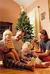 Family at Christmas    Stock Photo - Premium Rights-Managed, Artist: Kevin Radford, Code: 700-00158084