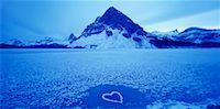 Heart on Frozen Lake    Stock Photo - Premium Rights-Managednull, Code: 700-00163536