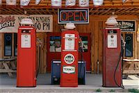 rural gas station - Old Gas Station South Dakota, USA    Stock Photo - Premium Rights-Managednull, Code: 700-00189315