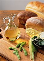 Soy Beans, Corn, Bread, and Olive Oil    Stock Photo - Premium Rights-Managednull, Code: 700-00196444