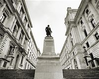 Statue on Pedestal London, England    Stock Photo - Premium Rights-Managednull, Code: 700-00196691