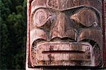 Totem Pole    Stock Photo - Premium Rights-Managed, Artist: Noel Hendrickson, Code: 700-00318652