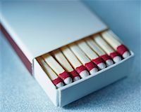 Box of Wooden Matches    Stock Photo - Premium Rights-Managednull, Code: 700-00357244