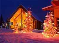 Log Cabin Decorated with Christmas Lights Marysville, British Columbia, Canada    Stock Photo - Premium Rights-Managednull, Code: 700-00366360