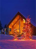 Log Cabin Decorated with Christmas Lights, Marysville, British Columbia, Canada    Stock Photo - Premium Rights-Managednull, Code: 700-00366361