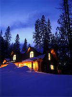 Log Cabin    Stock Photo - Premium Rights-Managednull, Code: 700-00377950