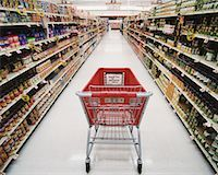 empty shopping cart - Empty Shopping Cart in Grocery Store    Stock Photo - Premium Rights-Managednull, Code: 700-00404115