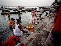 People at the Banks of the Ganges River, Varanasi, India    Stock Photo - Premium Rights-Managednull, Code: 700-00430664