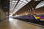 Train Platform at Paddington Station, London, England    Stock Photo - Premium Rights-Managed, Artist: George Simhoni, Code: 700-00513870
