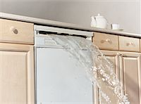 flooded homes - Dishwasher Overflowing    Stock Photo - Premium Rights-Managednull, Code: 700-00515738