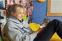 Girl Holding Kitten    Stock Photo - Premium Rights-Managednull, Code: 700-00519396