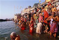 People Bathing in the Ganges River, Varanasi, Uttar Pradesh, India    Stock Photo - Premium Rights-Managednull, Code: 700-00554544