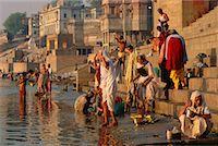 Pilgrims on the Ganges River, Varanasi, Uttar Pradesh, India    Stock Photo - Premium Rights-Managednull, Code: 700-00554552