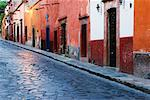 Colourful Buildings, San Miguel de Allende, Guanajuato, Mexico    Stock Photo - Premium Rights-Managed, Artist: Jeremy Woodhouse, Code: 700-00560819