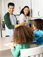 picture black girl washing dishes - Family in Kitchen    Stock Photo - Premium Rights-Managednull, Code: 700-00588682