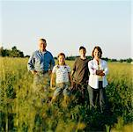 Portrait of Farm Family in Field    Stock Photo - Premium Rights-Managed, Artist: Masterfile, Code: 700-00590733