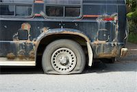 Van with Flat Tire    Stock Photo - Premium Rights-Managednull, Code: 700-00608370