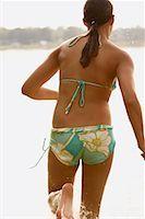 preteen girl feet - Girl Running on Beach    Stock Photo - Premium Rights-Managed, Artist: Marc Vaughn, Code: 700-00651360