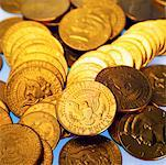 Close-up of American fifty cent coins and quarters Stock Photo - Premium Royalty-Free, Artist: Grant Harder, Code: 627-00858718