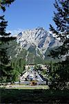 Town of Banff, Banff National Park, Alberta, Canada    Stock Photo - Premium Rights-Managed, Artist: Alec Pytlowany, Code: 700-00866949