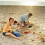 Family on Beach    Stock Photo - Premium Rights-Managed, Artist: TSUYOI, Code: 700-00916896
