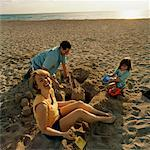 Family on Beach    Stock Photo - Premium Rights-Managed, Artist: TSUYOI, Code: 700-00916898