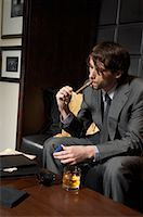 Man with Cigar and Liquor    Stock Photo - Premium Royalty-Freenull, Code: 600-00984349