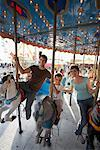 Family at Amusement Park, Toronto Ontario, Canada    Stock Photo - Premium Rights-Managed, Artist: Jerzyworks, Code: 700-01110117