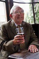 Man Drinking Beer    Stock Photo - Premium Royalty-Freenull, Code: 600-01123739