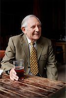 Man Drinking Beer    Stock Photo - Premium Royalty-Freenull, Code: 600-01123740
