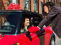 Man Giving Woman New Car    Stock Photo - Premium Royalty-Freenull, Code: 600-01164723