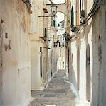 Buildings and Alley, Sperlonga, Italy    Stock Photo - Premium Rights-Managed, Artist: Alberto Biscaro, Code: 700-01183600