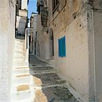 Buildings and Alley, Sperlonga, Italy    Stock Photo - Premium Rights-Managed, Artist: Alberto Biscaro, Code: 700-01183601