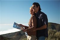 Couple Hiking, Looking at Map    Stock Photo - Premium Rights-Managednull, Code: 700-01199895