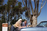 Women on Road Trip    Stock Photo - Premium Rights-Managednull, Code: 700-01199952